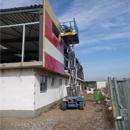 Die Außenpaneele werden an der Rückseite angebracht (08.10.2012)