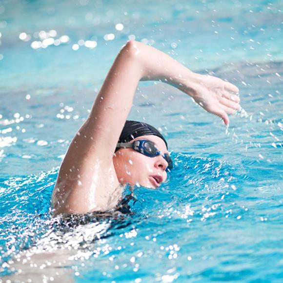 12 Stunden Schwimmspaß im Rodenkirchener Hallenbad