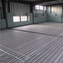 Die Bodenheizung im Gymnastikraum ist verlegt (28.11.2012)
